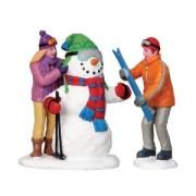 figurine-skieurs-et-bonhomme-de-neige-s2-lemax