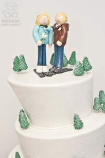 winter-wedding-cake-full