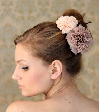 bridal-hair-ideas-coiffure-mariage-fleurs