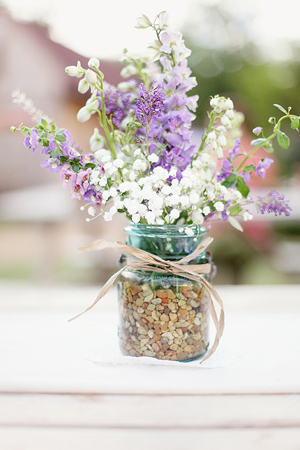 Southern-wedding-wildflower-centerpieces