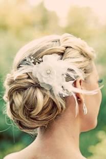 Coiffure-de-mariee-fausse-fleur