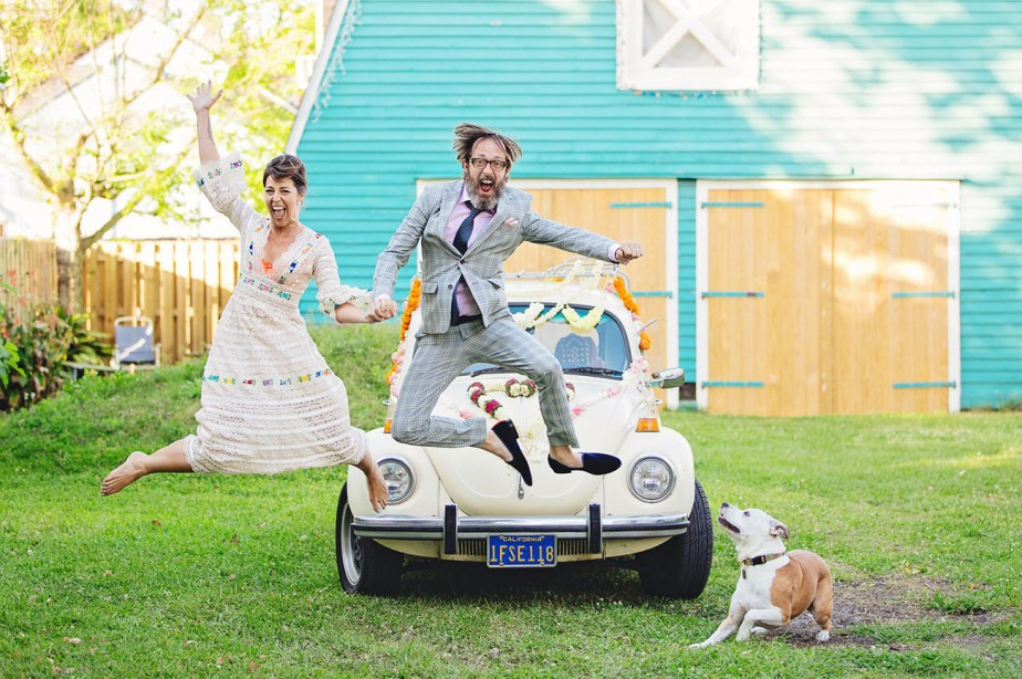Mariage fun aux couleurs des sixties … On adore !